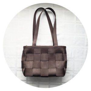 Harveys Seatbelt Bag in Chocolate Brown